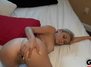 blondie nymph blows boy's pecker as a..
