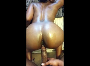 Immense bootie ebony cockslut pummeled..