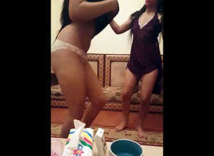 2 wonderful arabian gfs dancing and..