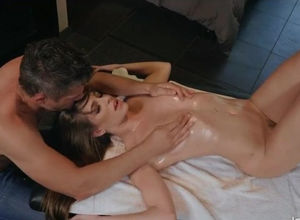 Kimmy Granger mind-blowing rubdown