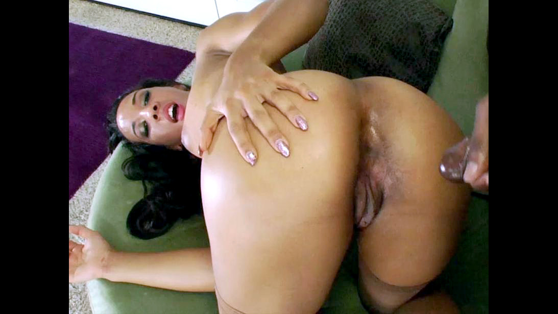 Ebony bombshell takes large stiff..