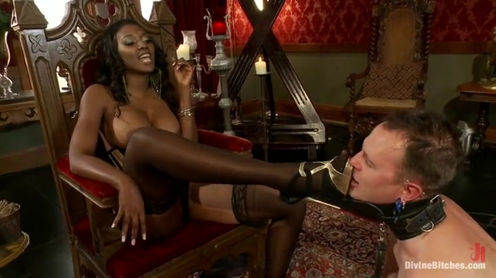 Torrid dominance fuck-fest with Nyomi..